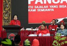 Megawati pengarahan kepada calon kepala daerah PDIP